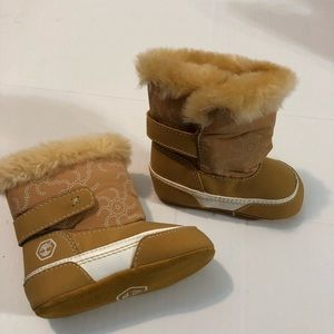 Infant Baby Timberland Boots Sz 2 like new